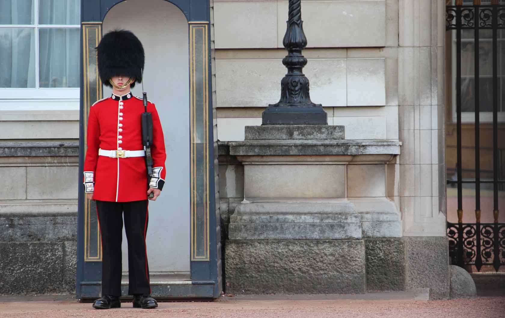 Common London Tourist Mistakes by London Perfect Buckingham Palace
