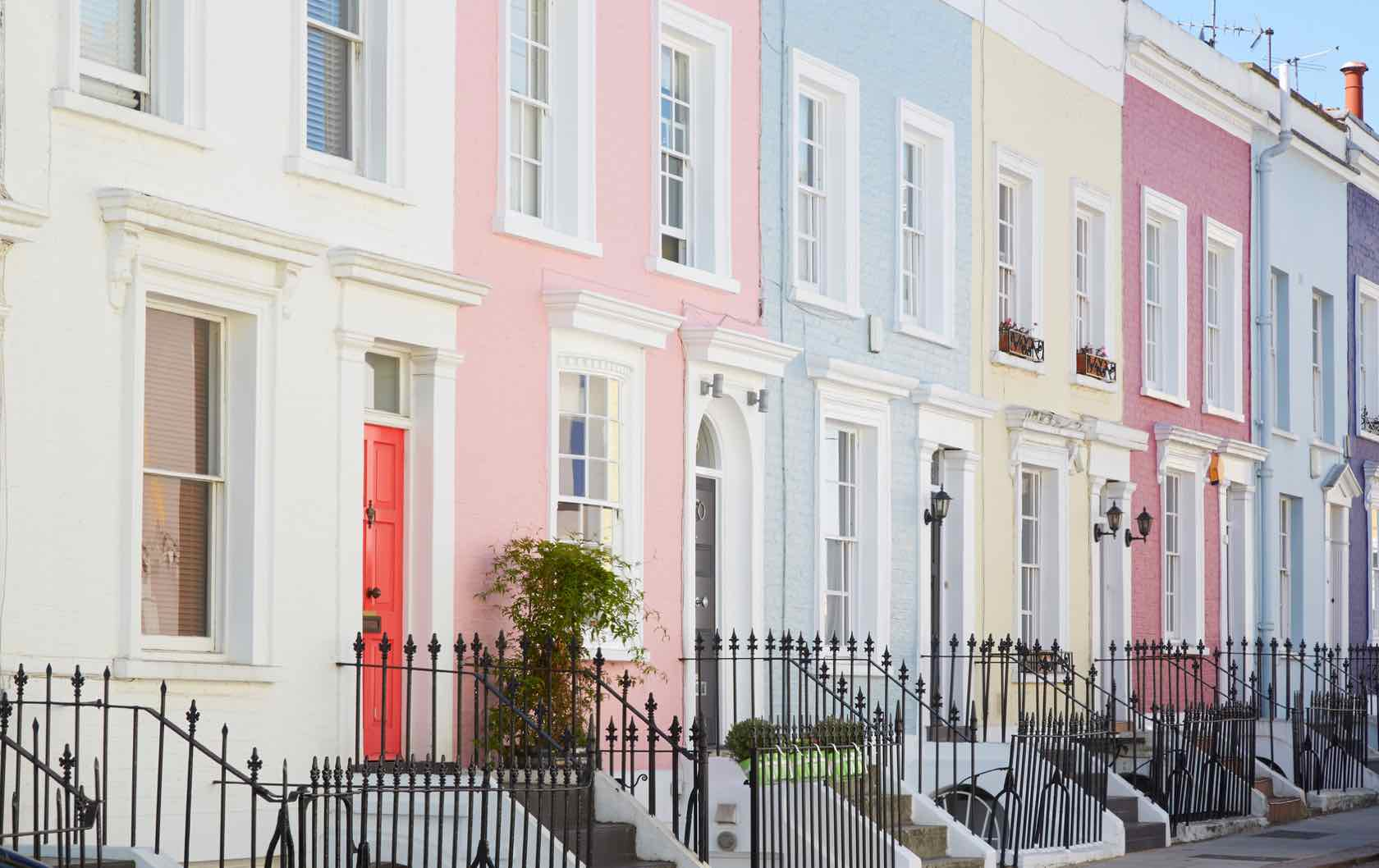 A Guide to Notting Hill's Most Colorful Streets