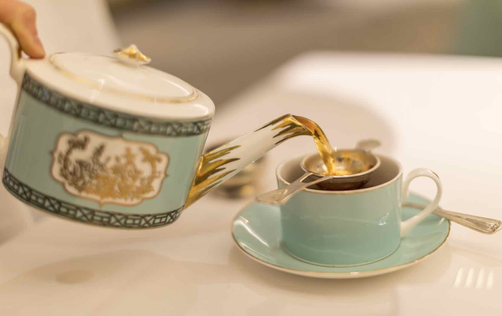 Etiquette Guide To Afternoon Tea In London