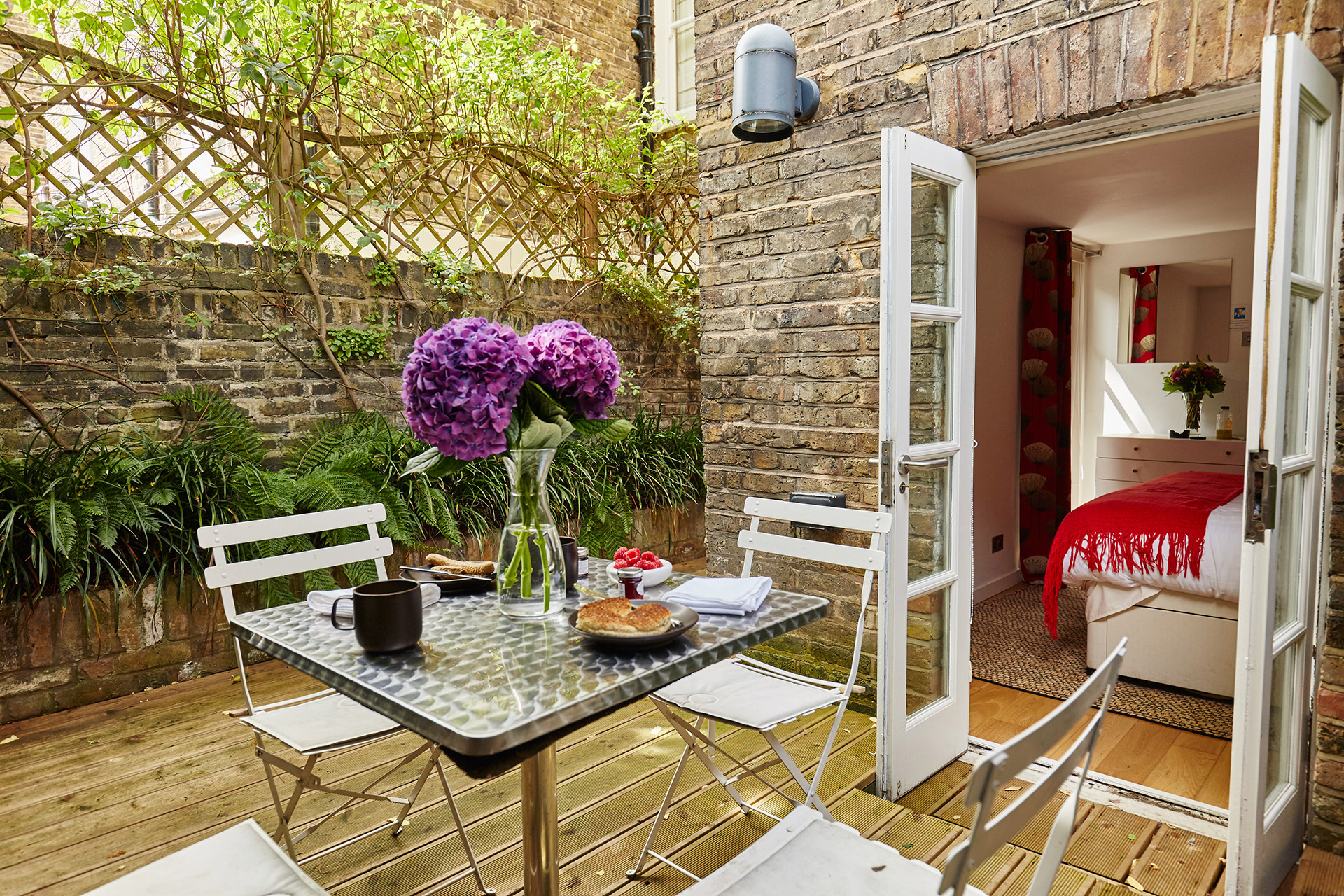 Beautiful Vacation Rental With Patio In Exclusive Chelsea London - Excellent-3-bedroom-london-apartment-in-chelsea-area