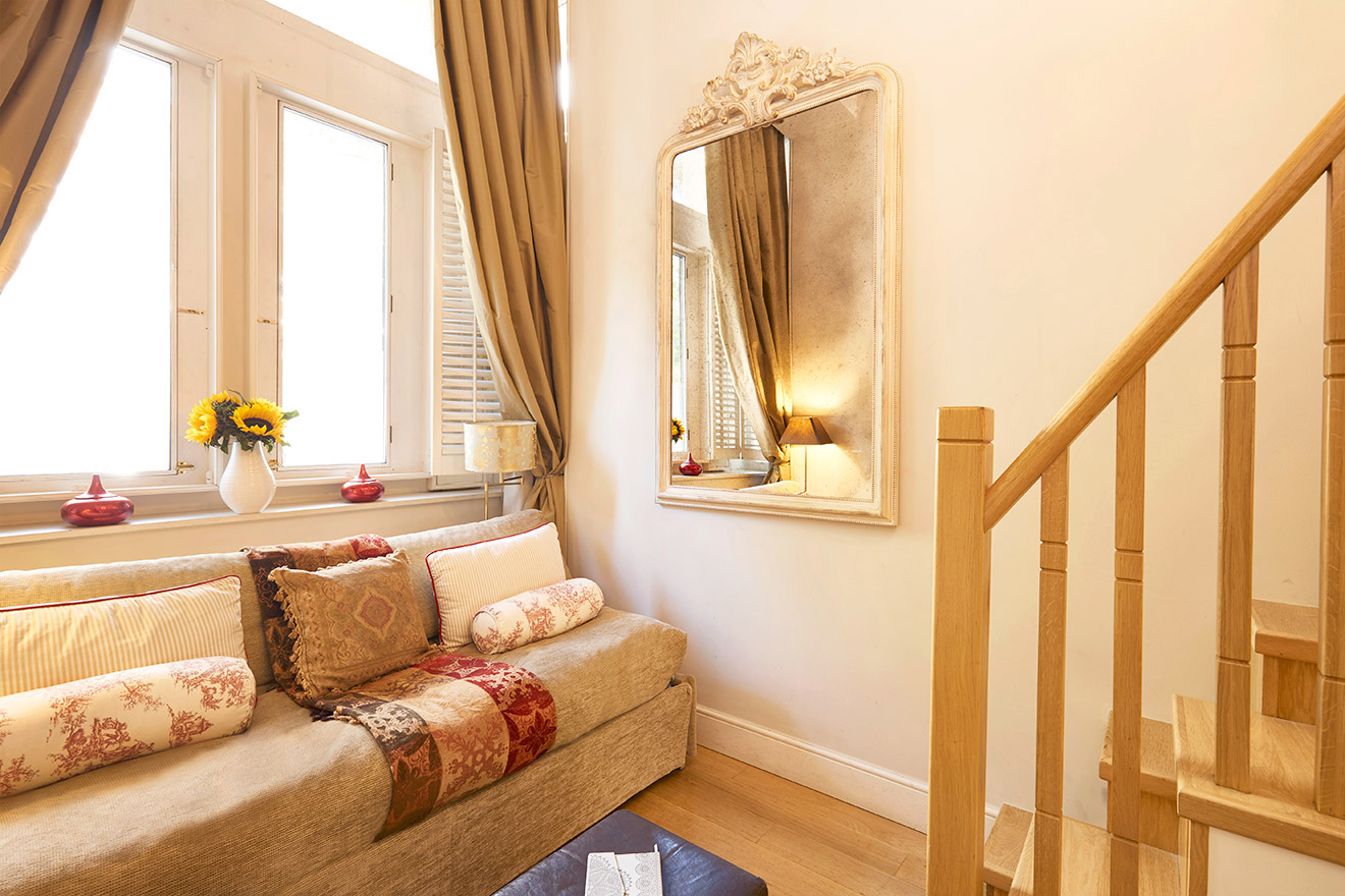 Sunny Living Room Of The Queensgate Studio Loft Vacation Rental Offered By London Perfect
