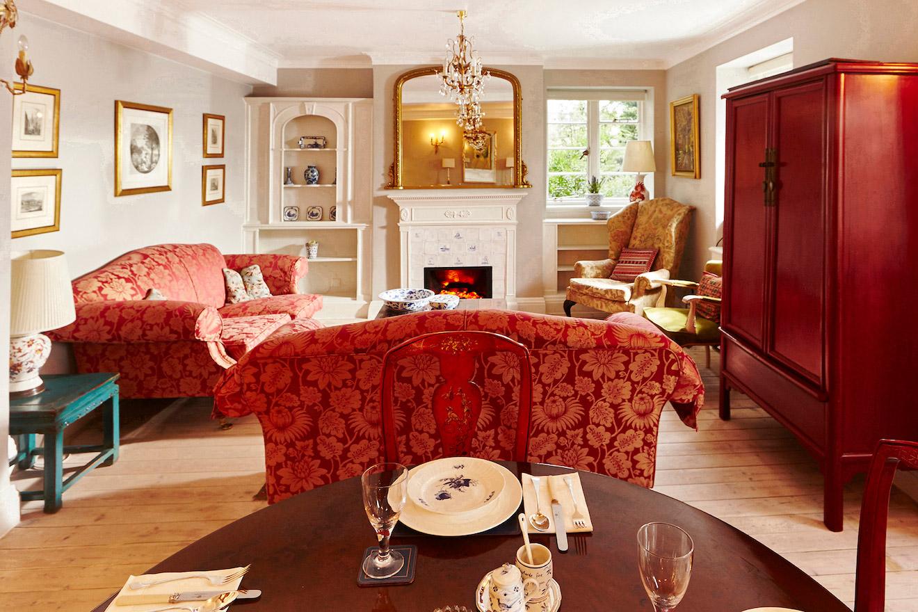 3 Luxury Three Bedroom Rental Kensington London