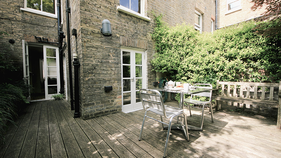 Beautiful Vacation Rental with Patio in exclusive Chelsea ...