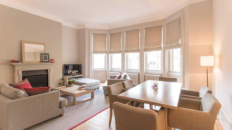 Remarkable Three Bedroom London Vacation Rental In Knightsbridge