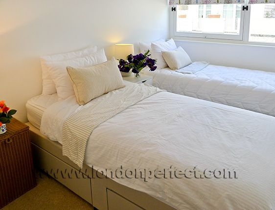 2 BedroomLondon Vacation Rental