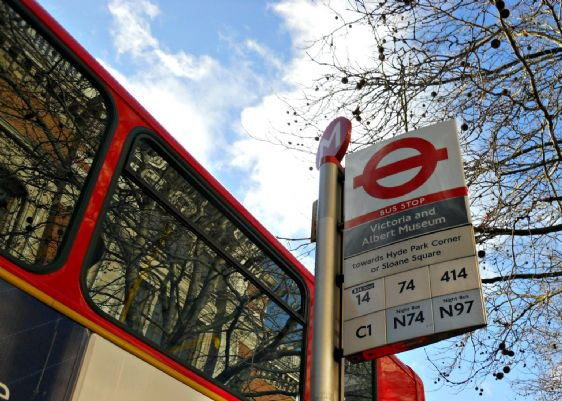 Enjoy sightseeing while travelling around London on the bus!