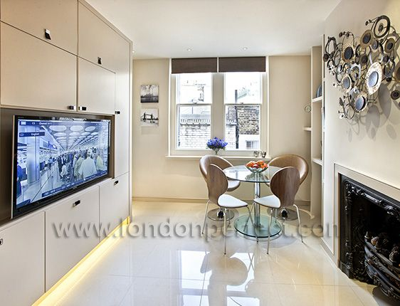 Flat Screen TV with 30 channels in Mayfair vacation rental offered by London Perfect