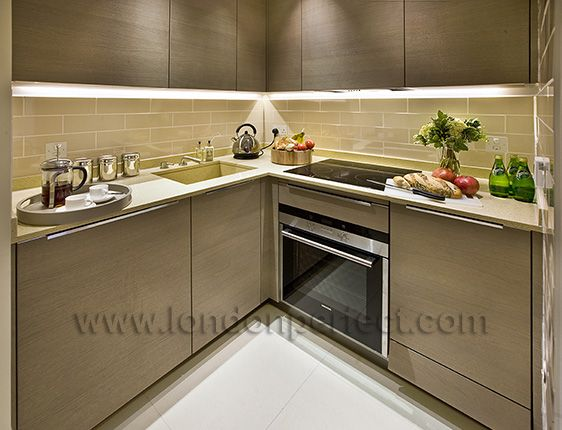 Fully equipped kitchen with modern appliances in the Mayfair vacation rental offered by London Perfect