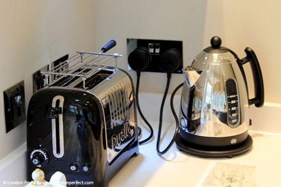 Stainless Steel Toaster and Kettle