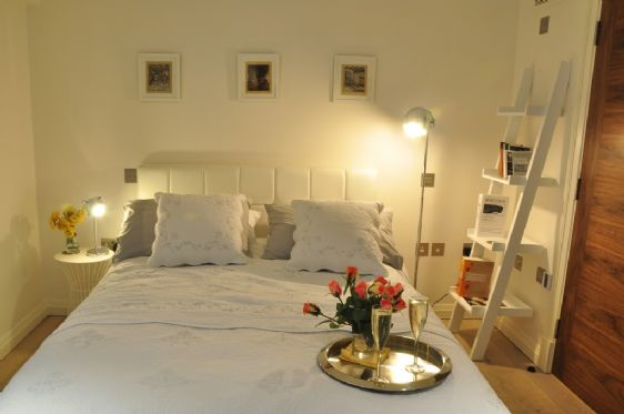 Studio or 1 bedroom apartment for rentugg stovle for Studio 1 bedroom apartments rent