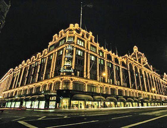 Walk to the world famous Harrods store around the corner!