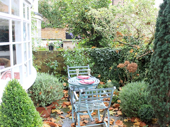 Enjoy dining outdoors in your private courtyard garden
