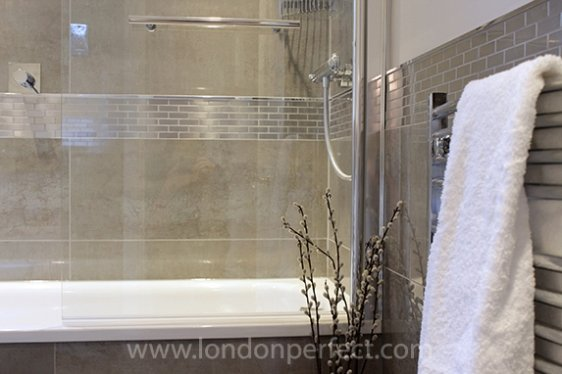 Modern bathroom in london vacation rental for G bathrooms leicester