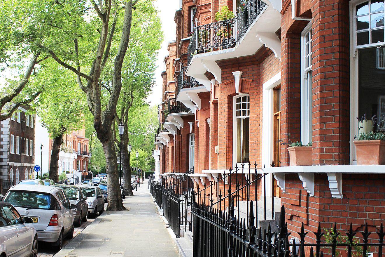 Charming London street in Chelsea