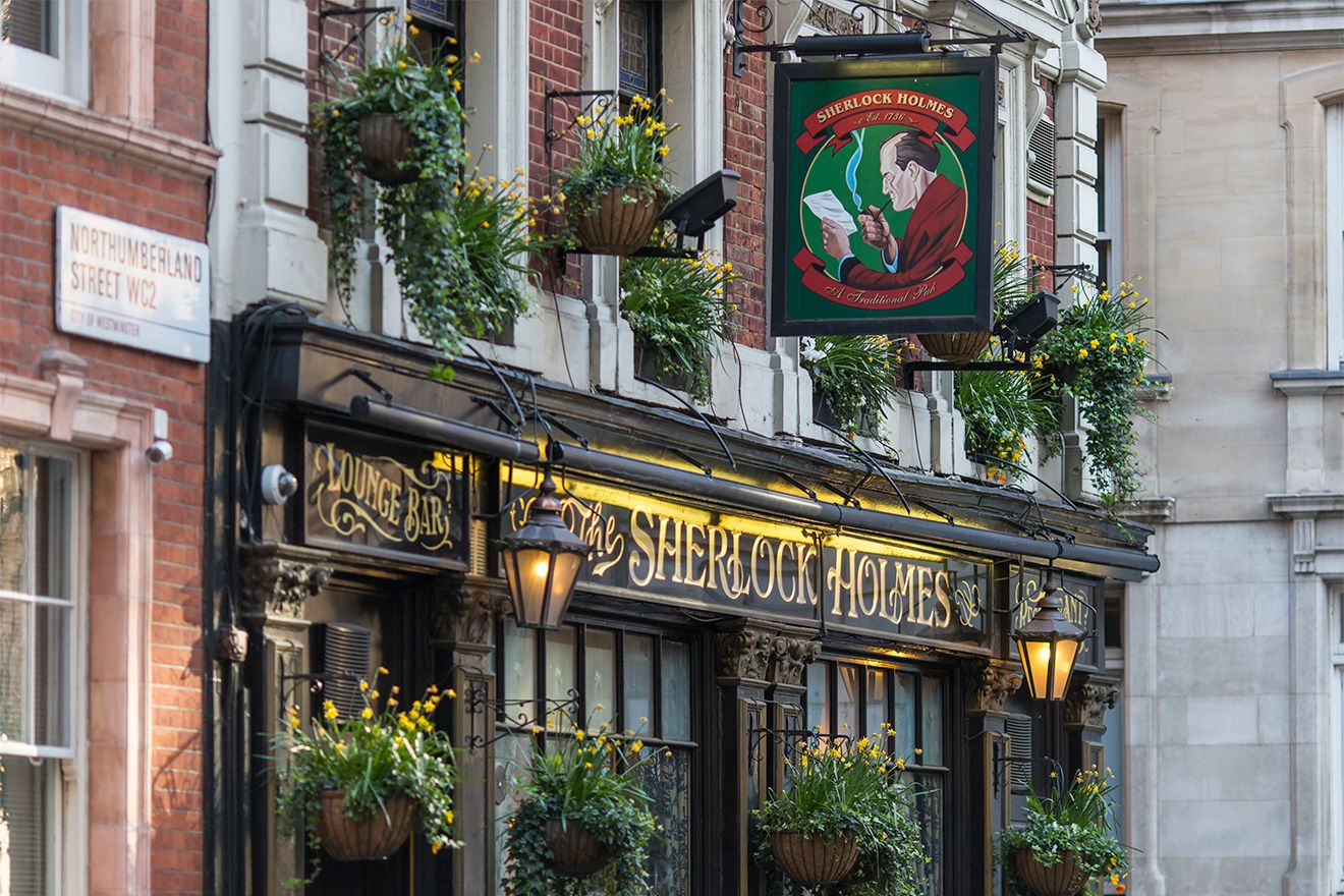 Traditional English pub in London