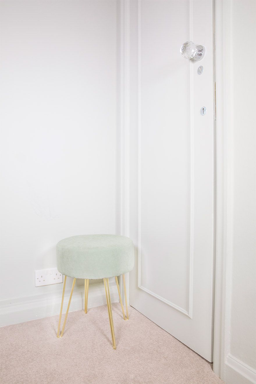 Modern stool in the bedroom of the Gordon vacation rental offered by London Perfect