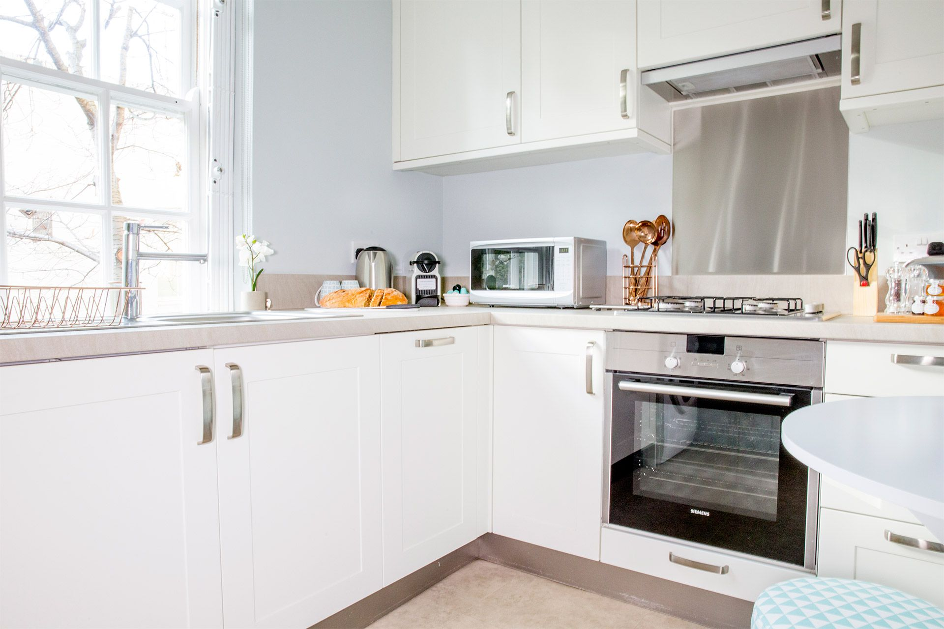 Fully equipped kitchen of the Gordon vacation rental offered by London Perfect