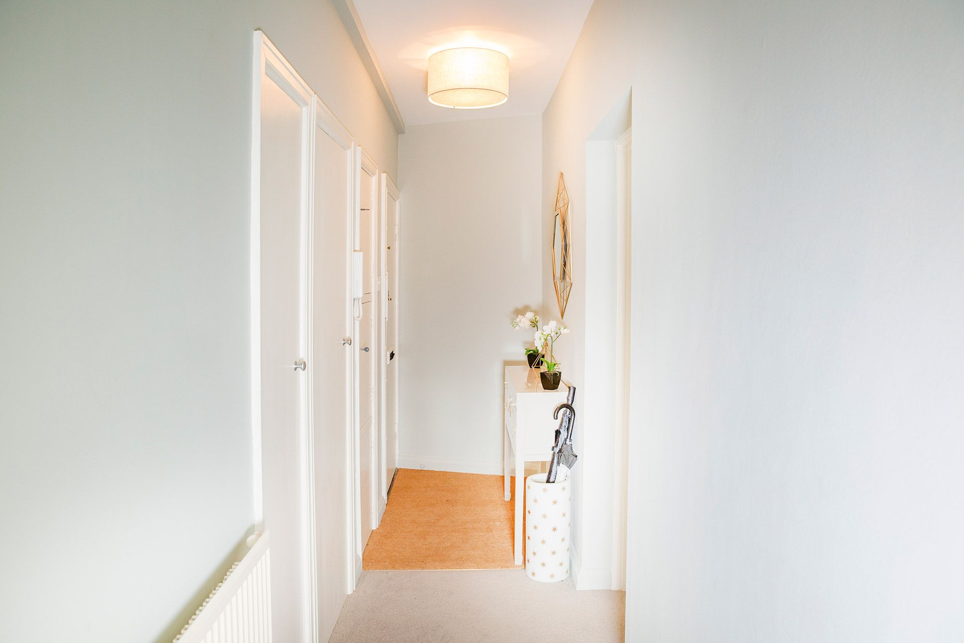 Entry hall of the Gordon vacation rental offered by London Perfect