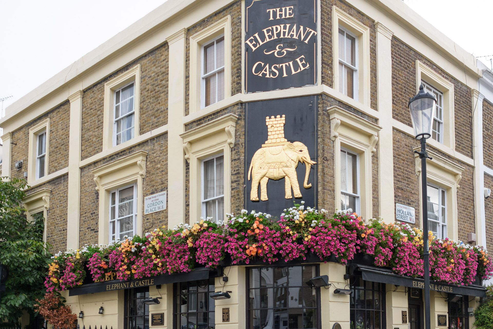 The Elephant and Castle pub in London