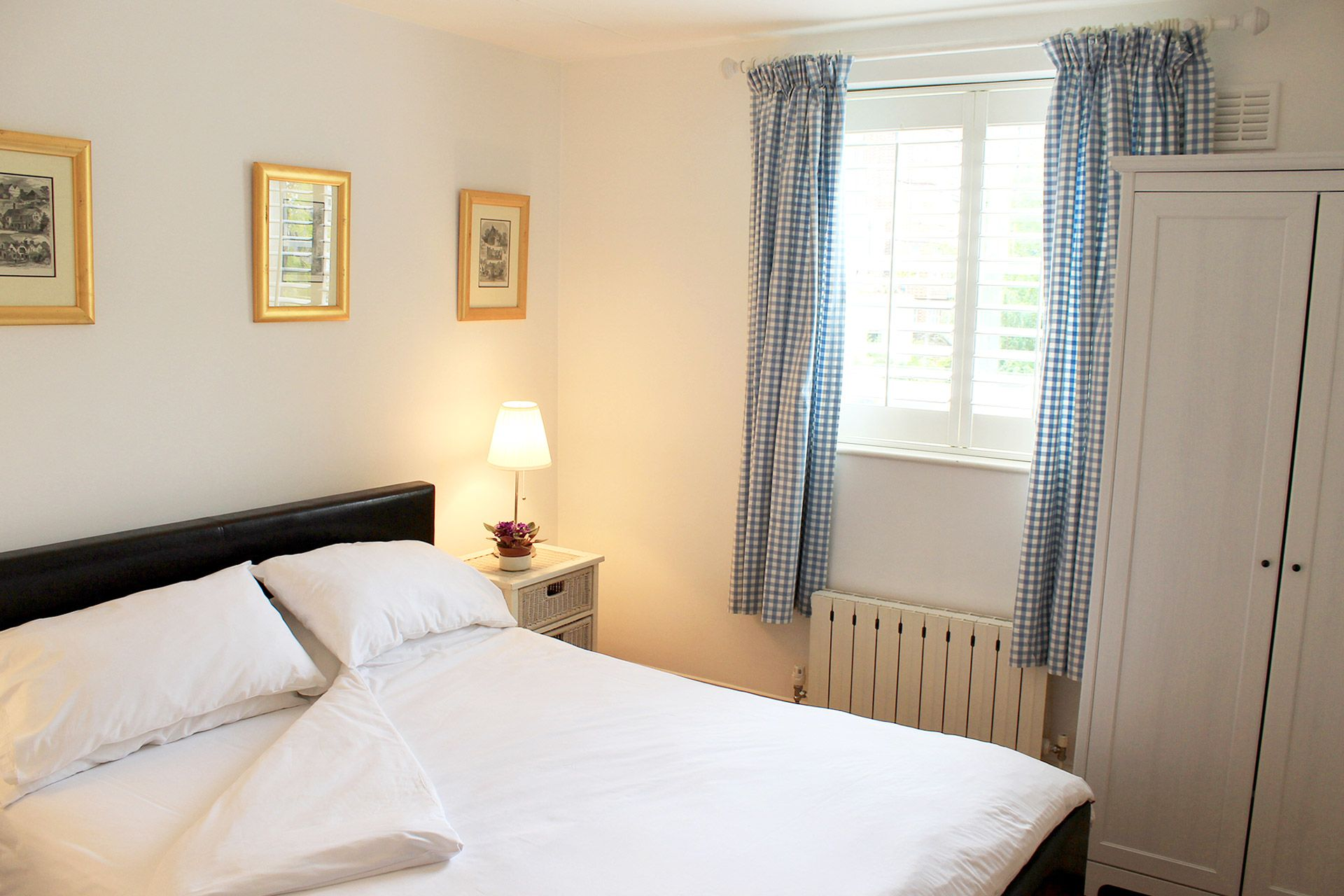 First bedroom of the Russell vacation rental offered by London Perfect