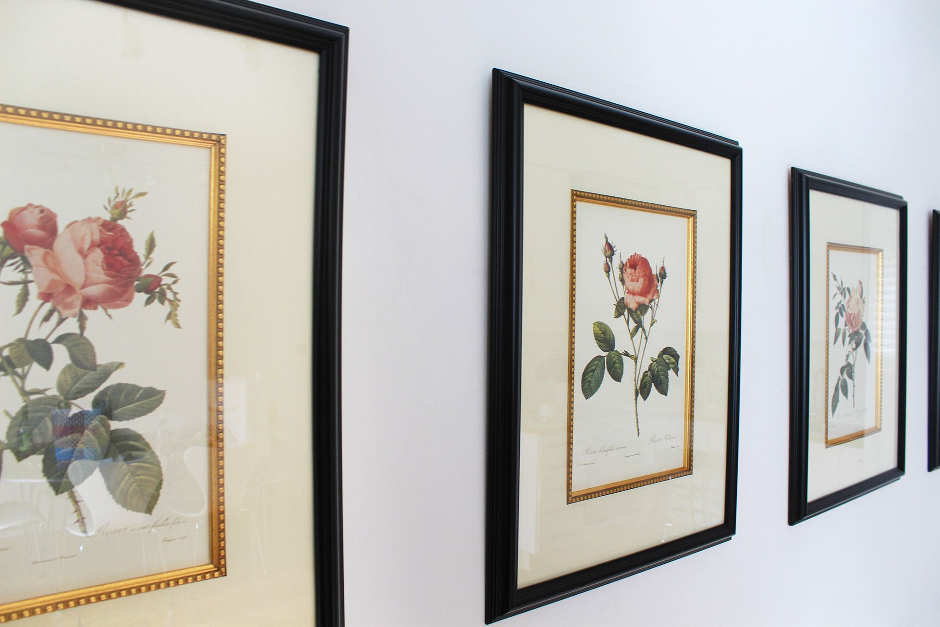 Charming floral prints in the Russell vacation rental offered by London Perfect
