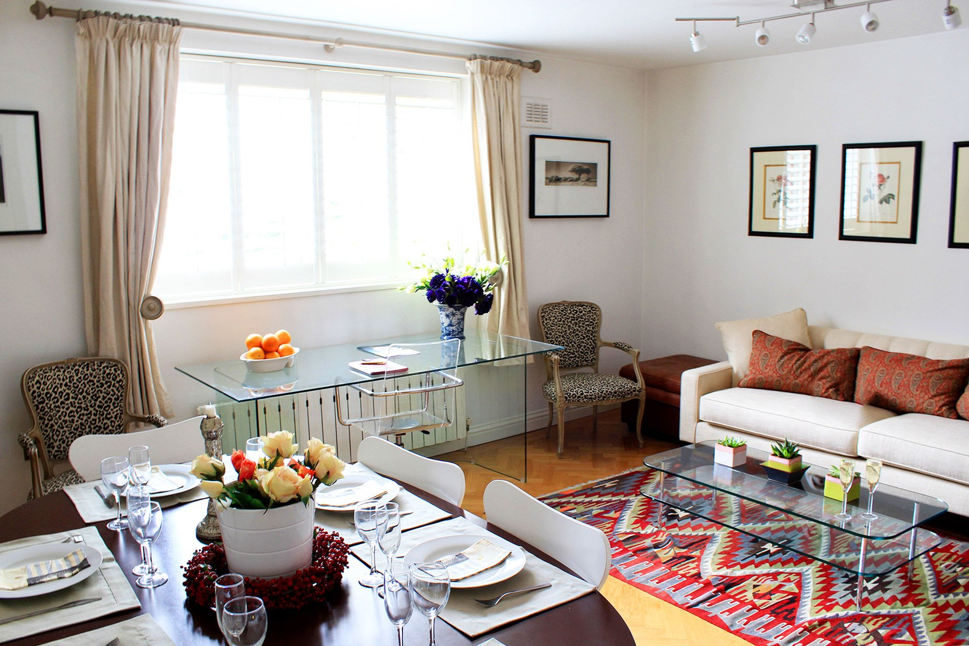Large living and dining room of the Russell vacation rental offered by London Perfect