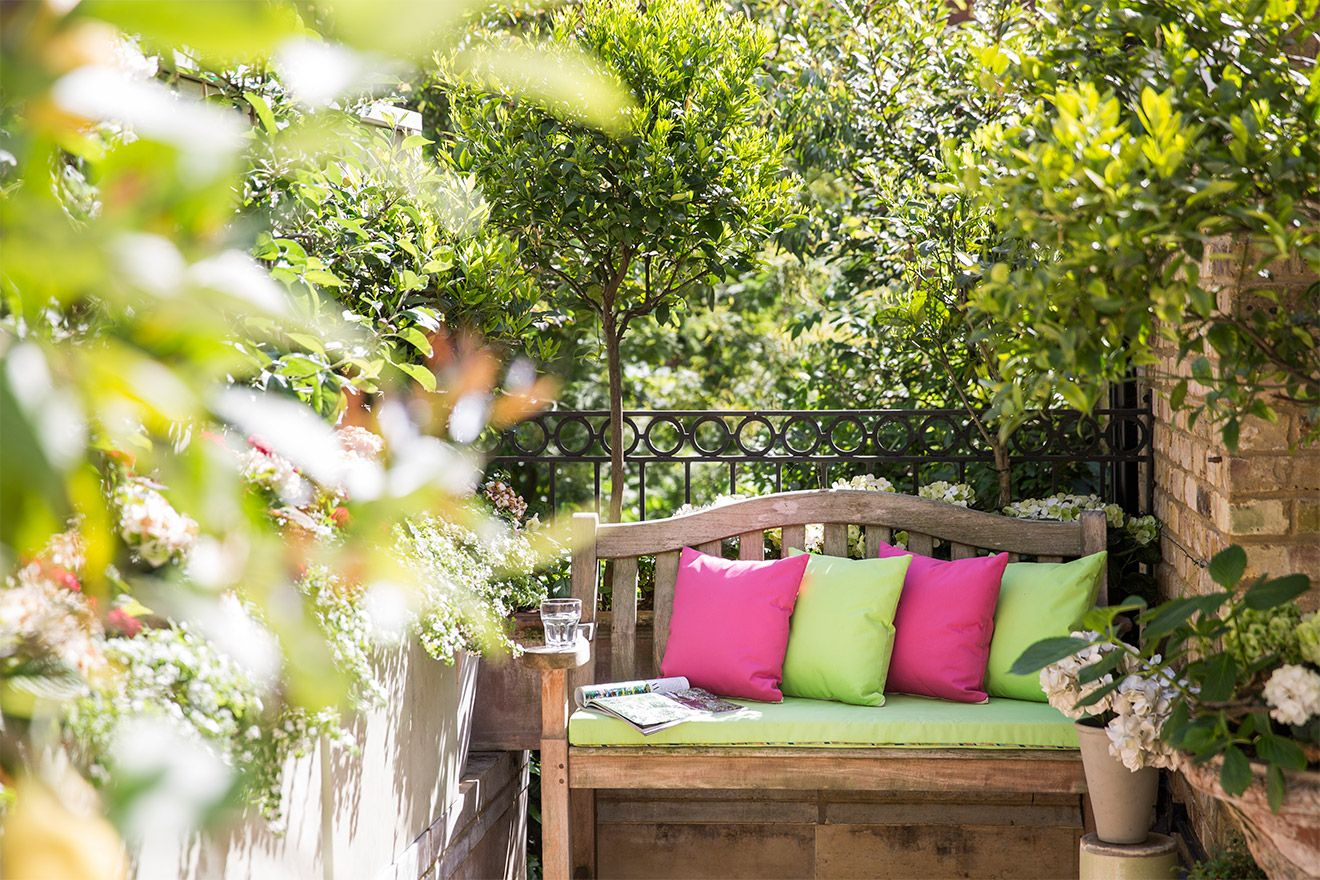 Patio bench in the Victoria vacation rental offered by London Perfect