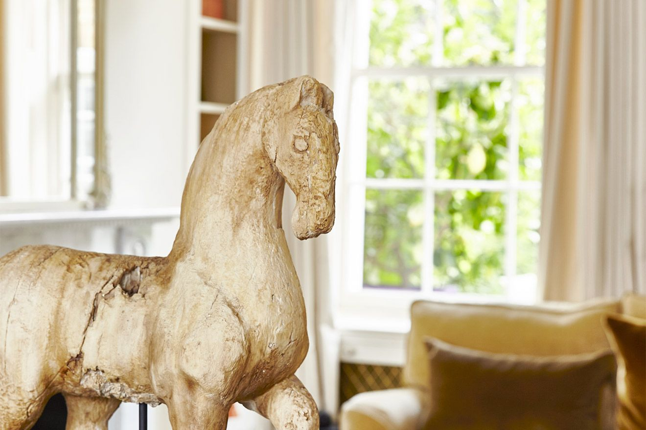 Antique horse sculpture in the Victoria vacation rental offered by London Perfect