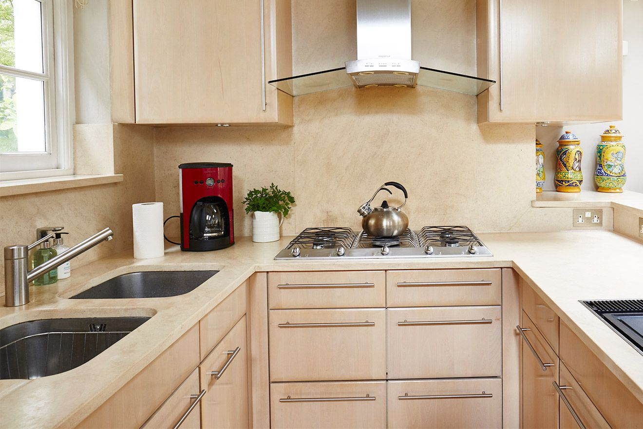 Fantastic kitchen for entertaining in the Victoria vacation rental offered by London Perfect