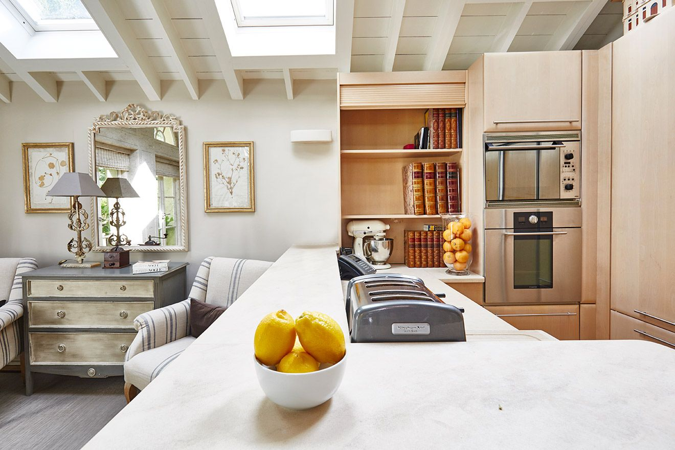 Counterspace in the kitchen of the Victoria rental offered by London Perfect