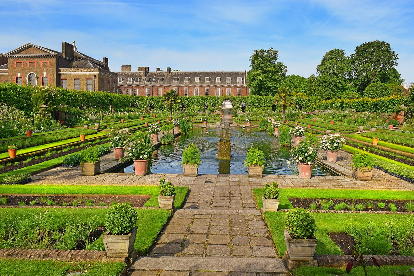 Kensington Palace and the beautiful gardens