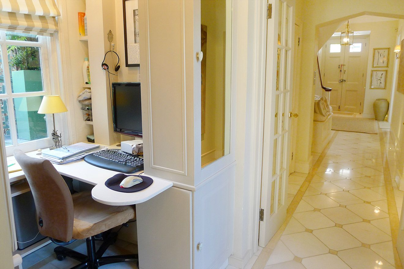 Office nook off the hallway of the Victoria rental offered by London Perfect
