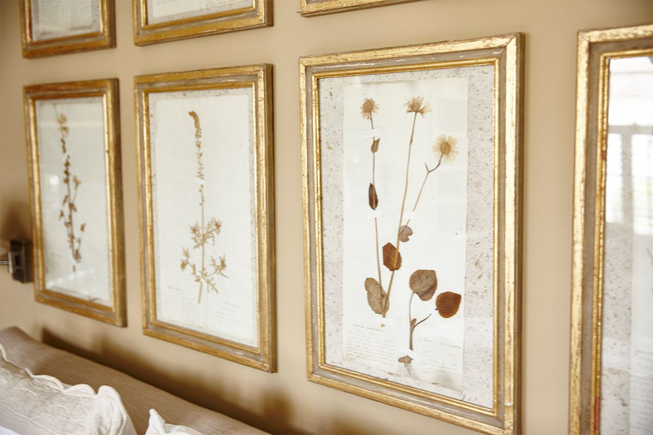 Framed pressed flowers in the Victoria vacation rental offered by London Perfect