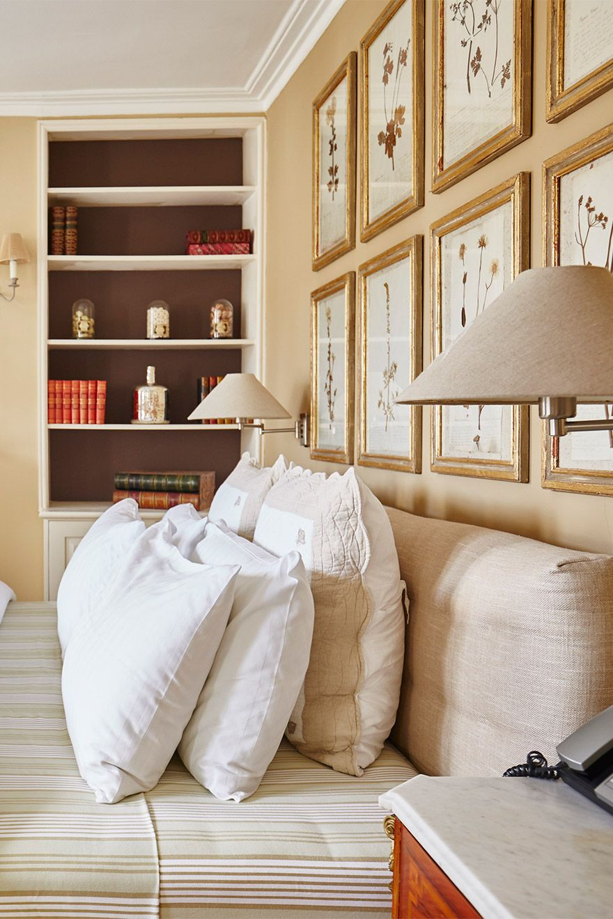 Lovely fluffy pillows on the bed in the Victoria vacation rental offered by London Perfect