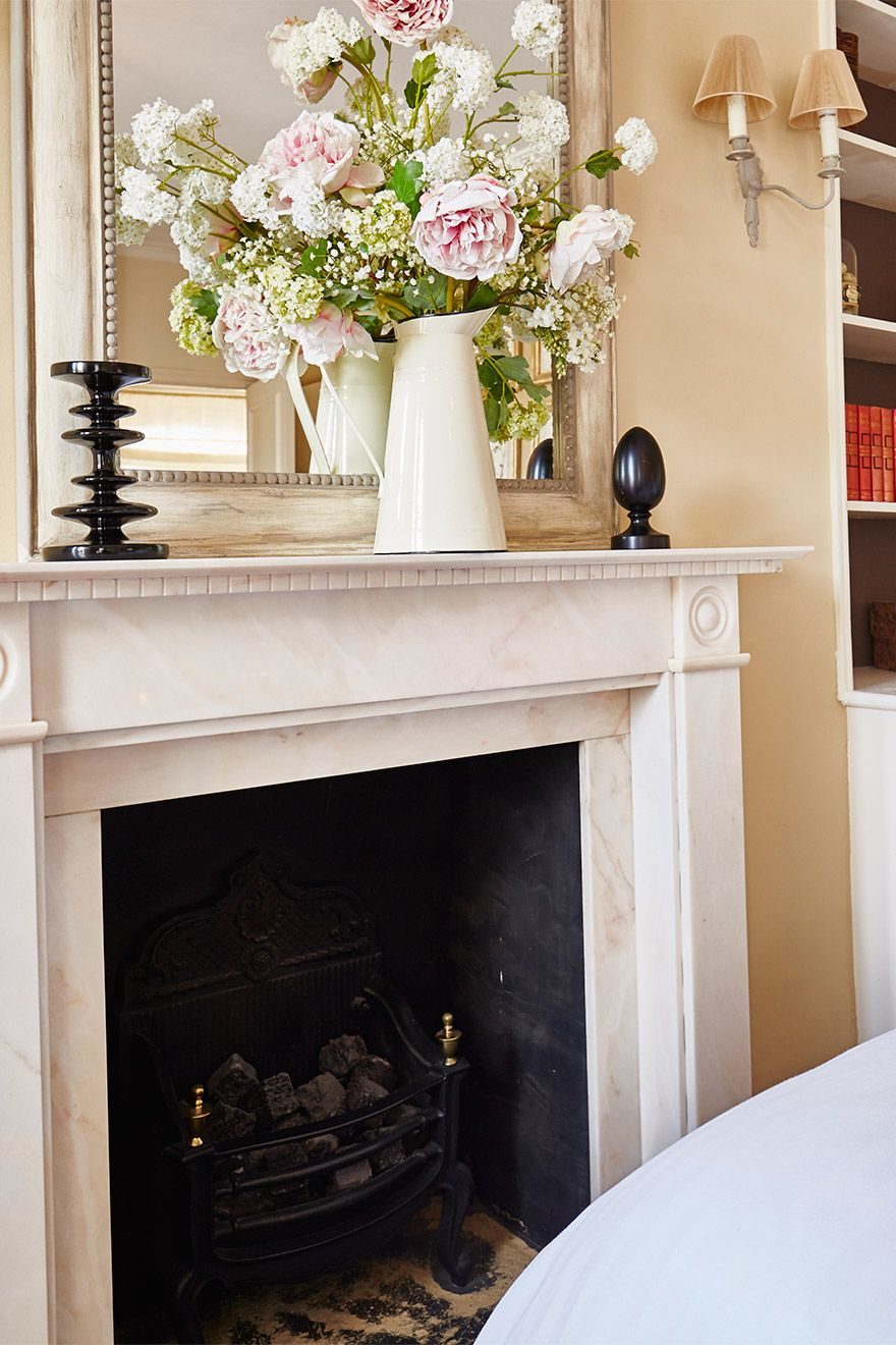 Marble fireplace in the Victoria vacation rental offered by London Perfect