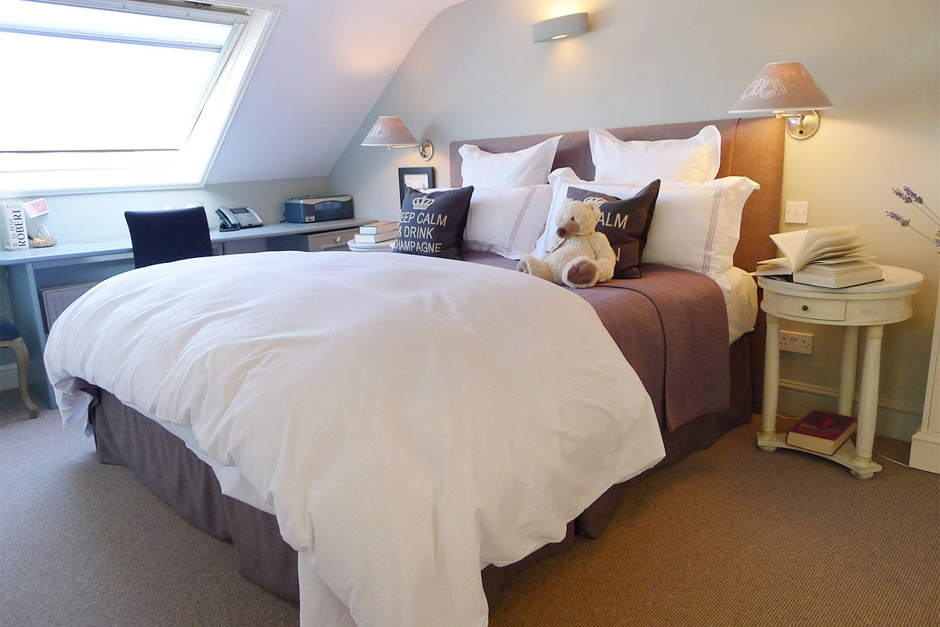 Spacious third bedroom of the Victoria rental offered by London Perfect