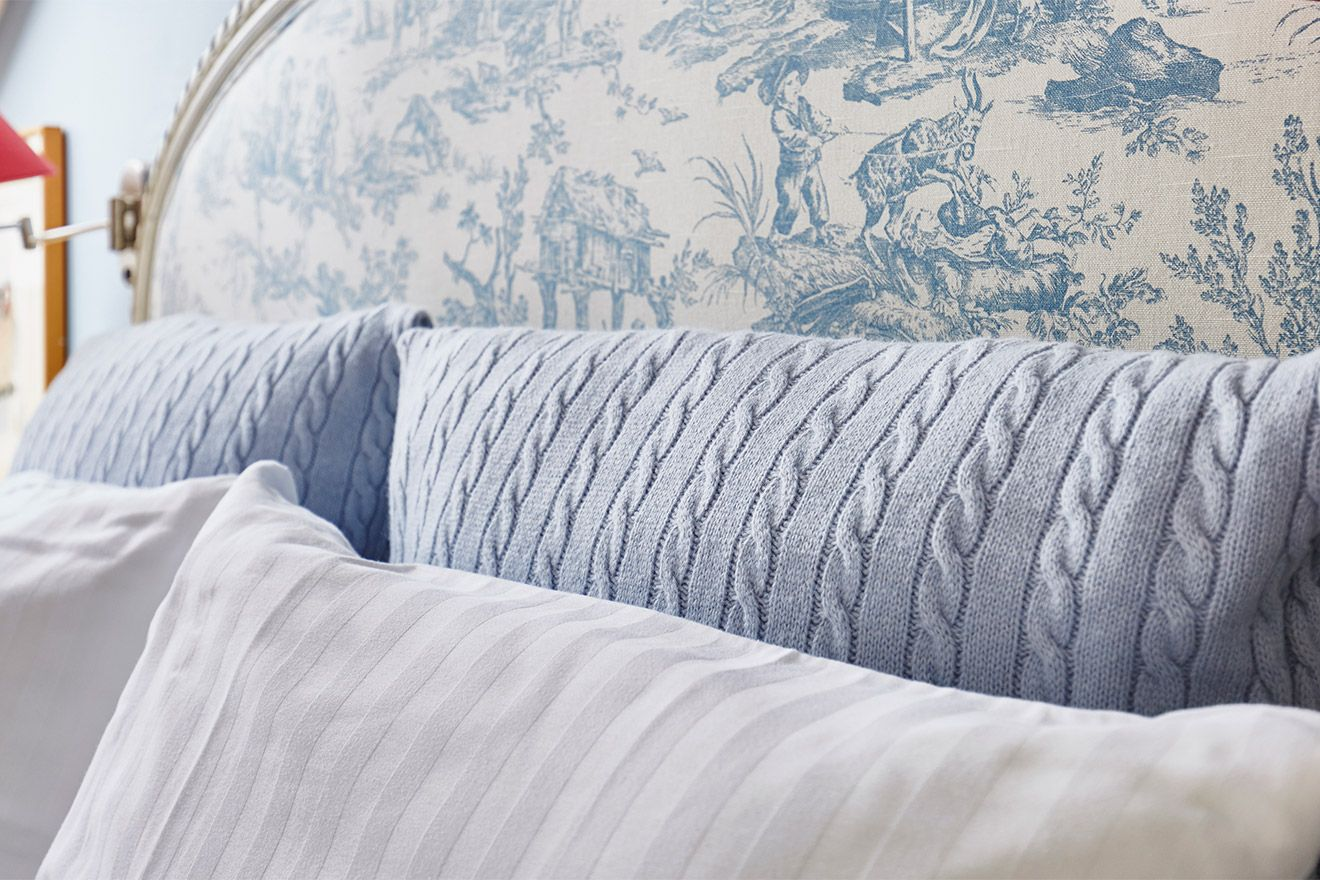 Calm blue tones in the fourth bedroom of the Victoria rental offered by London Perfect