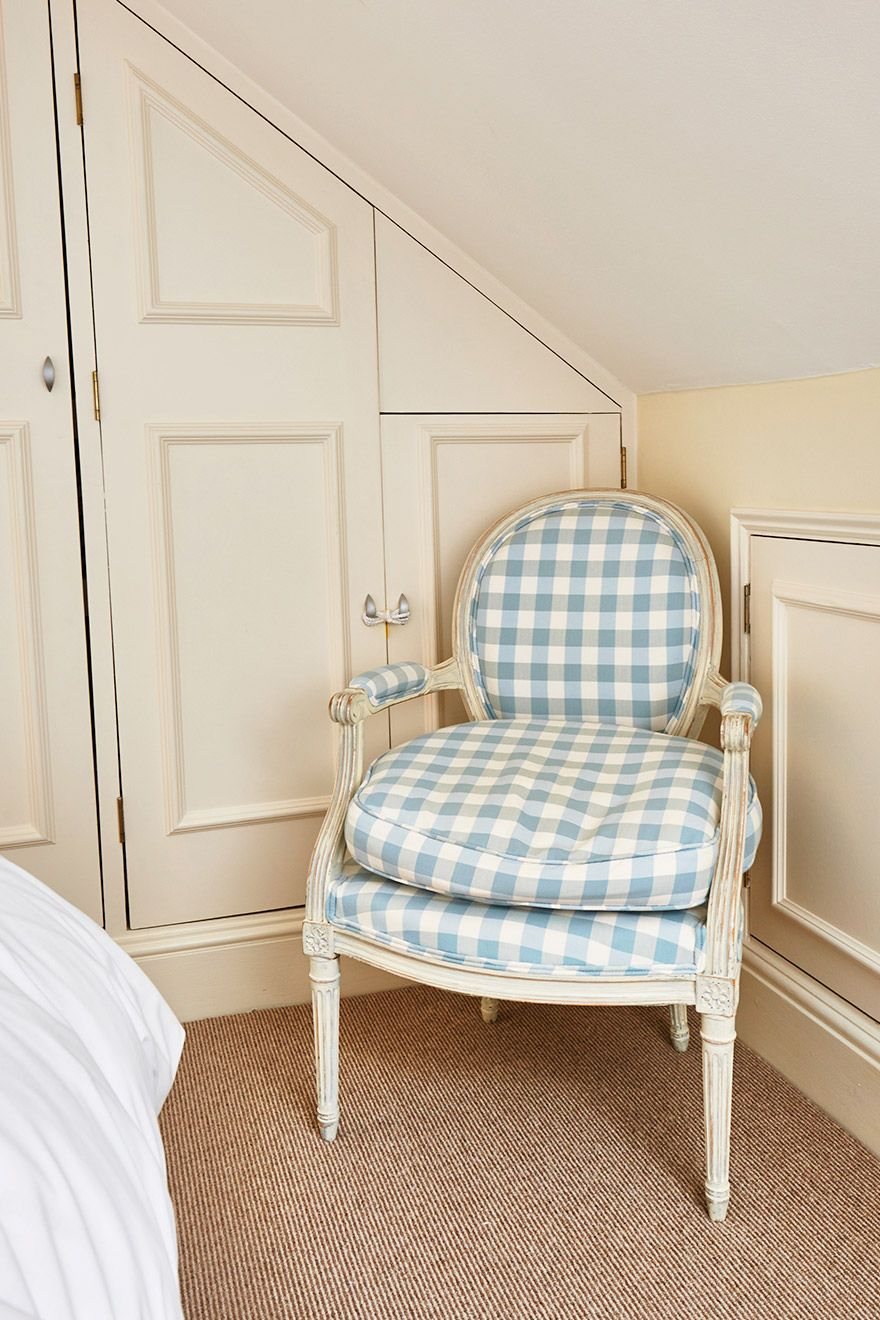 Comfortable armchair in the Fourth bedroom of the Victoria rental offered by London Perfect