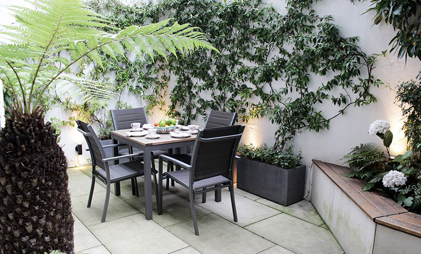 Private Patio Garden of the Christchurch vacation rental offered by London Perfect