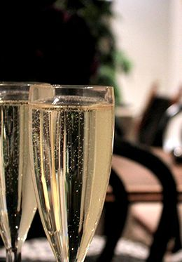 Make a toast to a lovely holiday in London!