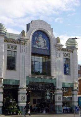 Walk to Brompton Cross for top London shopping