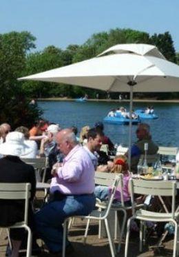 Enjoy dining along the Serpentine in Kensington Gardens