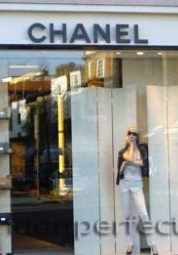 Find designer fashion on Sloane Street in Knightsbridge