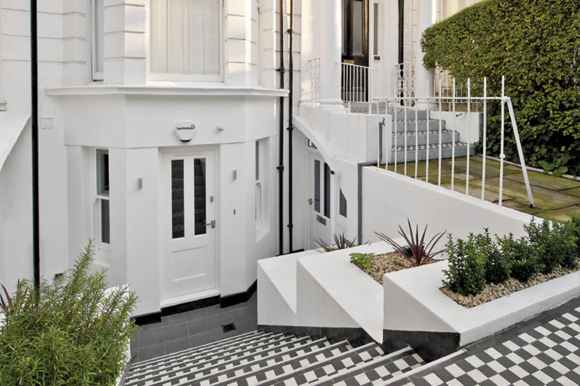 Stylish entrance to the Gladstone vacation rental offered by London Perfect