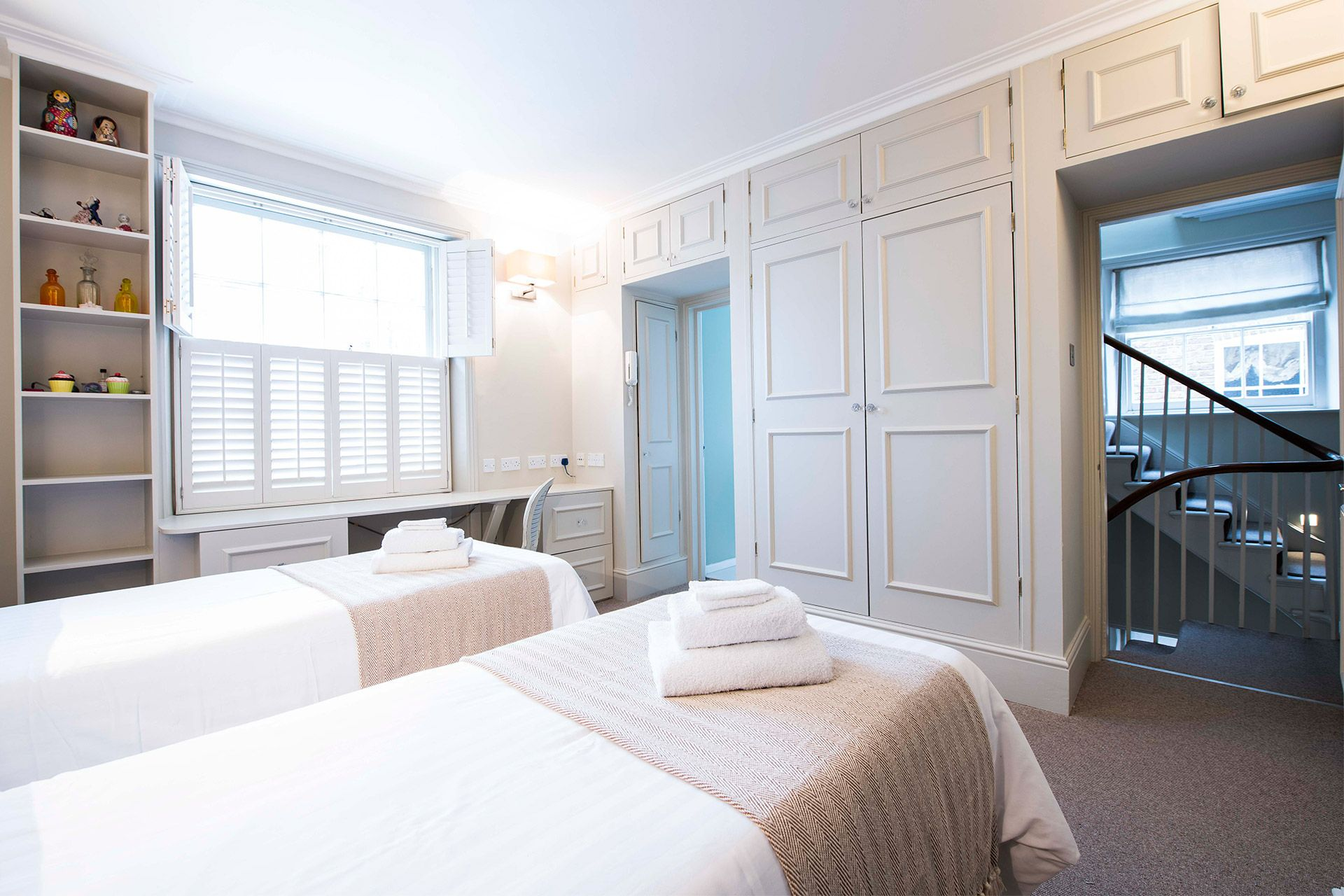 Elegant second bedroom of the Victoria rental offered by London Perfect