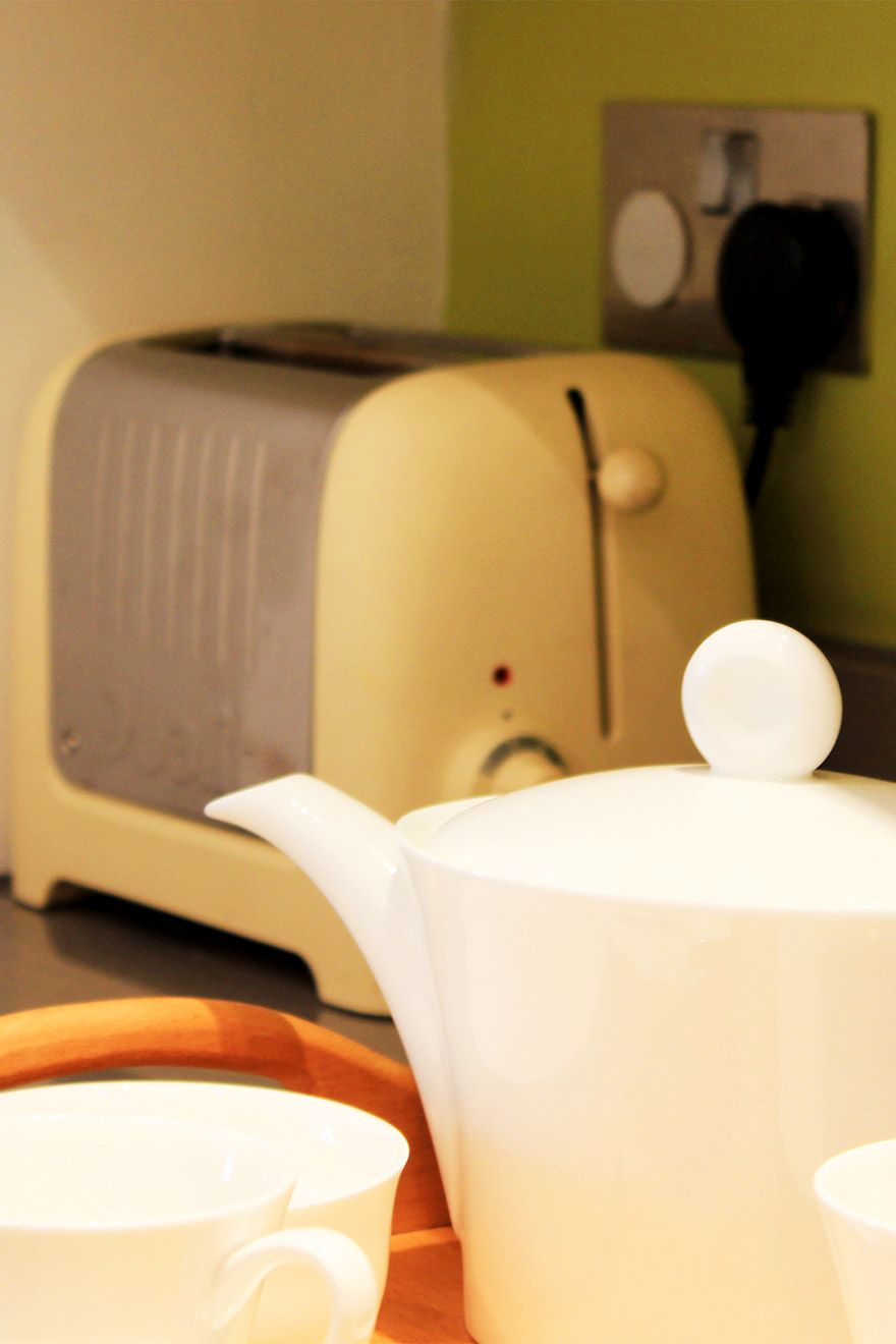 Tea Pot and Toaster in the Belgravia vacation rental offered by London Perfect