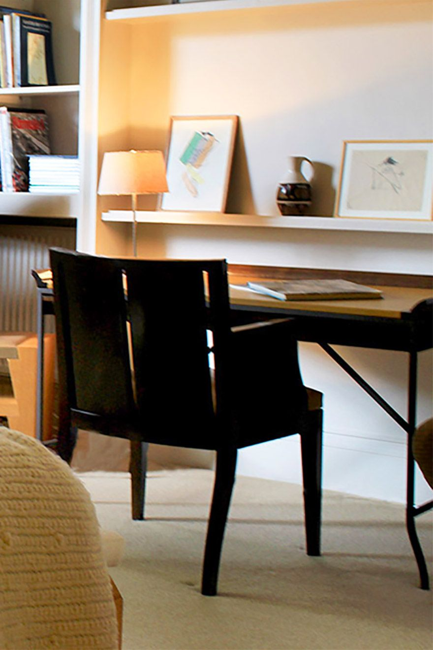 Modern writing desk in the Belgravia vacation rental offered by London Perfect