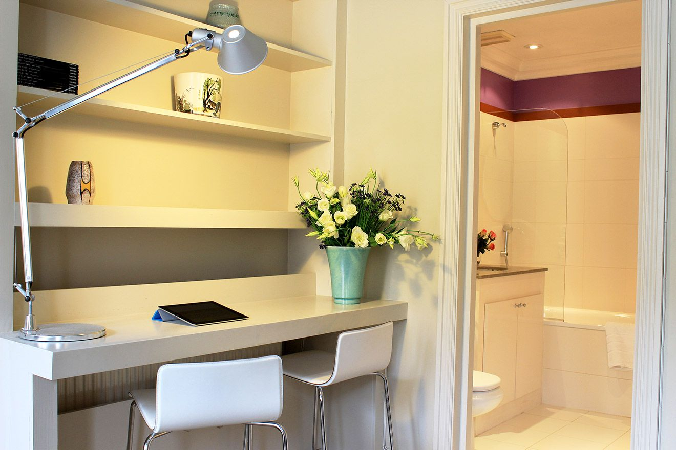 Lovely desk in the second bedroom of the Belgravia vacation rental offered by London Perfect