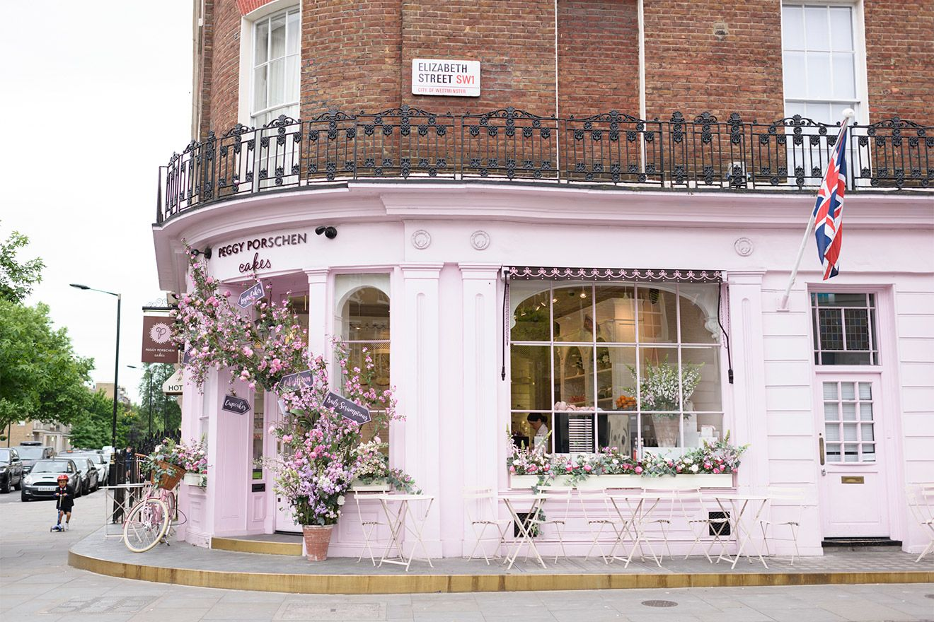 Cake store on London's trendy Elizabeth Street