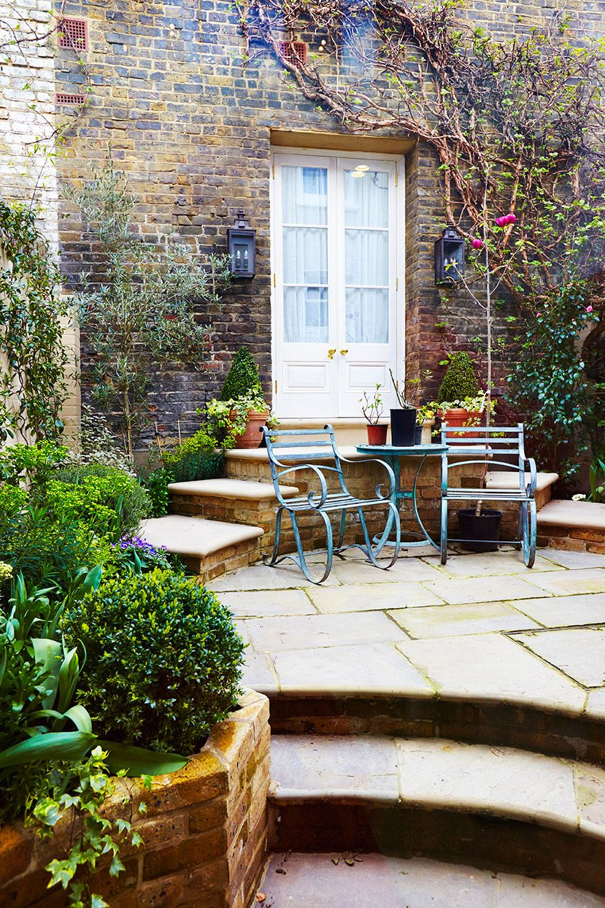 Private garden of the Wellington rental offered by London Perfect